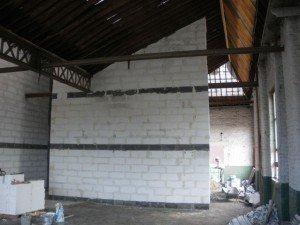 Notre lot est clos… et presque couvert. dans Gros-oeuvre loft-12082010-006-r-300x225