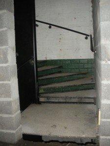 Accès grand confort aux étages. dans Gros-oeuvre loft-30082010-014-r-225x300