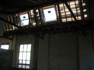 Nos velux sont en place. dans Gros-oeuvre loft-22092010-002-r-300x225