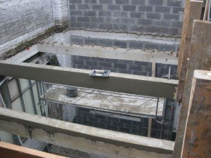 Le patio. dans Gros-oeuvre loft-24092010-004-r-300x225