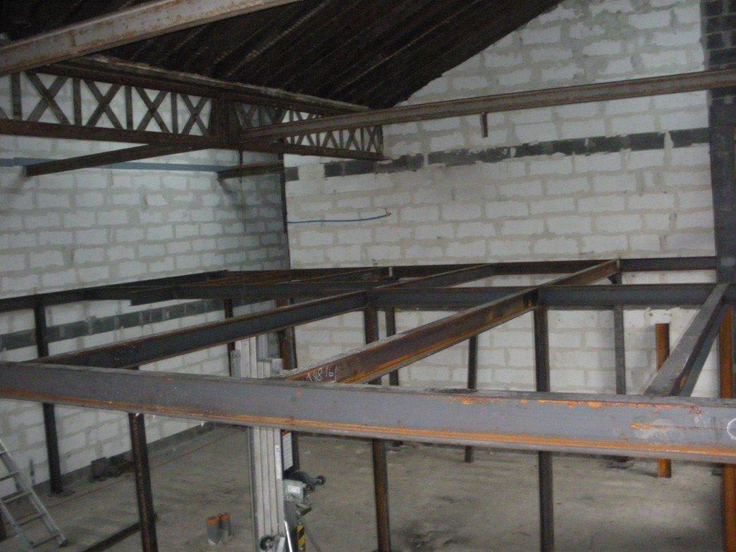 un ch 39 ti loft id al mezzanine. Black Bedroom Furniture Sets. Home Design Ideas